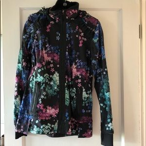 Lululemon floral windbreaker